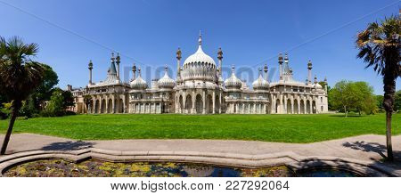 BRIGHTON, UK - JUN 5, 2013: Panoramic view of the Royal Pavilion (Brighton Pavilion), former royal residence built in the Indo-Saracenic style in Brighton, East Sussex, Southern England, UK