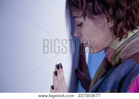 Single And Lonely Woman Depressed (gestures, Body Language, Psychology)