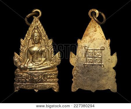 Thai Buddhist Amulets Coin, This First Edition Coin Amulet Is One Of The Most Famous Coin Amulets In