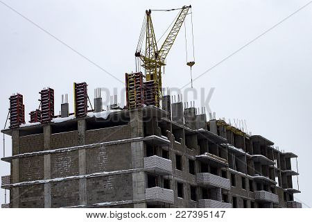 The Unfinished House, Cheating Depositors, Frozen Construction
