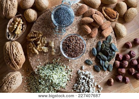 Nuts And Seeds - Walnuts, Almonds, Flax Seeds, Hazelnuts, Hemp, Pumpkin And Sunflower Seeds. Top Vie