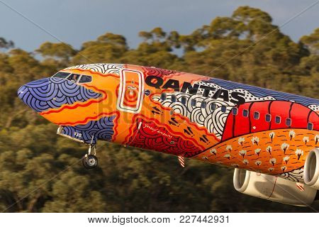 Melbourne, Australia - November 10, 2011: Aboriginal Painted Qantas Boeing 737-838 Vh-vxb