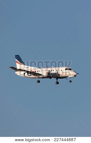 Melbourne, Australia - November 10, 2011: Regional Express (rex) Airlines Saab 340b Vh-rxs On Approa