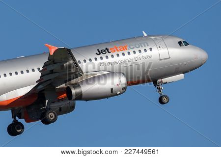 Sydney, Australia - May 5, 2014: Jetstar Airways Airbus A320 Airliner Taking Off From Sydney Airport