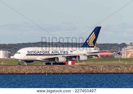 Sydney, Australia - May 5, 2014: Singapore Airlines Airbus A380 Aircraft At Sydney Airport.