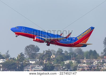 San Diego, California, Usa - April 30, 2013. Southwest Airlines Boeing 737-7h4 N948wn Departing San