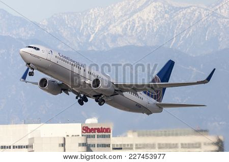 Los Angeles, California, Usa - March 10, 2010: Continental Airlines Boeing 737 Airplane Taking Off F