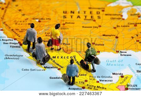 People From Mexico Traveling To United States Of America