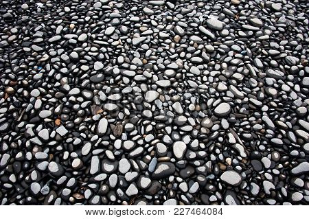 Grey Wet Pebble Texture, Wet Pebble On The Beach