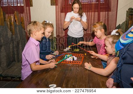 02.02.2018 Zatei 10 Years Entertainment Program For Children. Russia Altai Region City Zarinsk. I Pl
