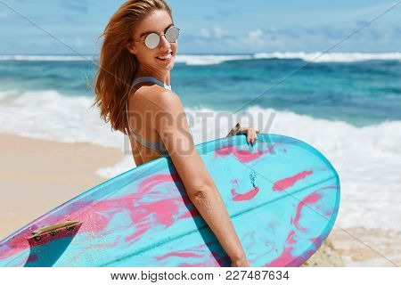 Happiness, Healthy Lifestyle And Recreation Concept. Beautiful Smiling Female Model In Trendy Shades