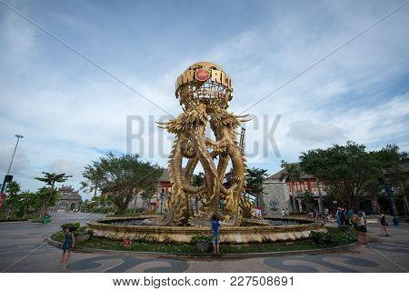 Quang Ninh, Vietnam - Aug 12, 2017: The Fountain Before An Entrance To Sun World Halong Park. Sun Wo