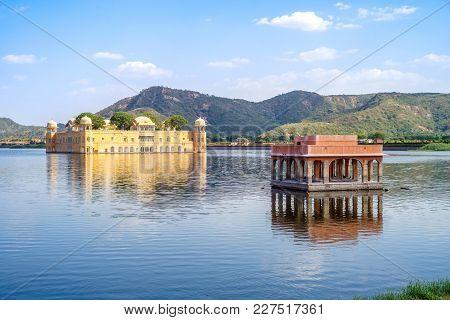 Jal Mahal (water Palace) In Man Sagar Lake