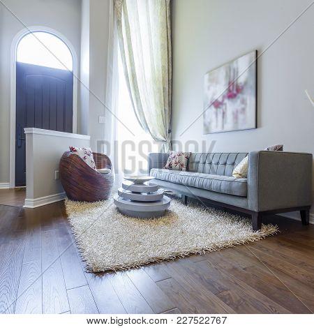 Modern Living Room Interior Design And Vase