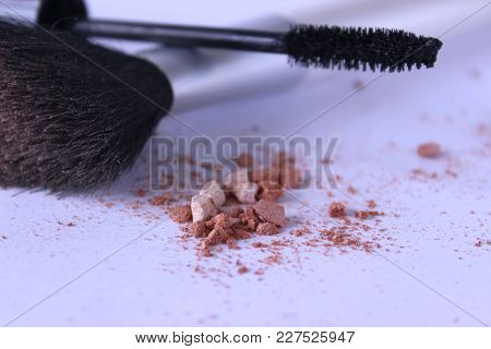 beauty, blusher, bronzer, brush, catalog, collection, color, contour, cosmetic, crushed, curler, eyelash, eyeliner, eyeshadow, face fashion feminine help institution girl group highlighter isolated luxury make rimel , matte, nail, nudity, object, palette, poster