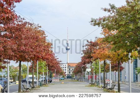 Berlin, Germany - 9 October, 2015: Jacob-mierscheid-steg With  Bright Colored Trees, Paul Loebe Hous