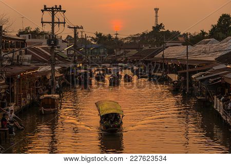 Samut Songkhram, Thailand - January 21, 2018: Ampawa Famous Floating Market Where Tourists Enjoy The