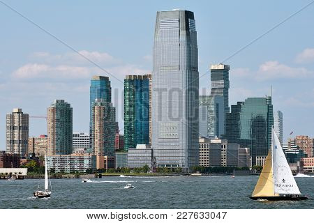 Jersey City, Usa - Aug 27: Goldman Sachs Tower, Is The Tallest Building In New Jersey. August 27, 20
