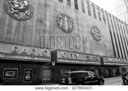 New York, Usa - November 13, 2008: Exterior Wall Of Radio City Music Hall, Theater Building, Modern