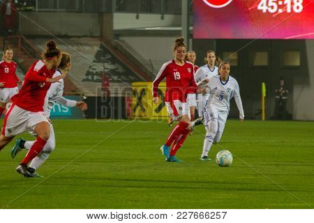Moedling, Austria, 23th November 2017: Verena Aschauer And Nicole Billa At Fifa Wm Qualification Lad