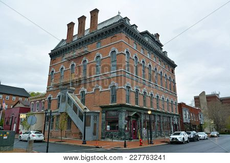 Cohoes, New York, Usa - April 25, 2017. Street View In Cohoes, Ny, With Historic Building Housing Co