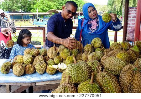Kudat,sabah-feb 3,2018:people Scramble For Durians,often Called The King Of Fruits,during The Durian