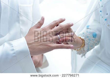 Bride Hand With Henna Design And Ring