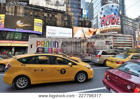 New York City, Usa - Aug. 24: Traffic On Street In Manhattan On August 24, 2017 In New York City, Ny
