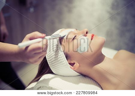 Professional Cosmetic And Massage Treatment At Wellbeing Saloon