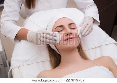 Take Pleasure Of Being Young And Beautiful! Sensitive Happy Woman Getting Lifting Therapy Massage In