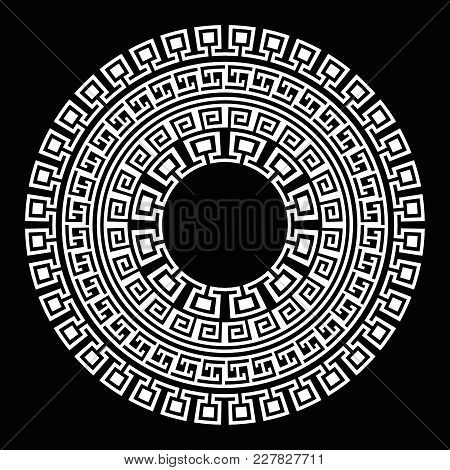 Ancient Greek Round Meander Key White And Black Vector Pattern. Illustration Of Greek Ancient Frame
