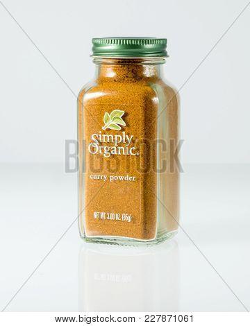 Morgantown, Wv - 22 February 2018: Illustrative Editorial Image Of Simply Organic Curry Powder Jar