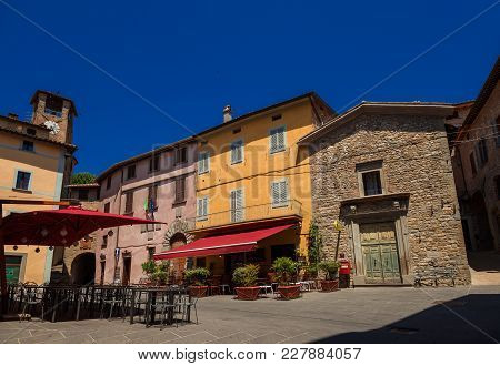 Montone, Italy - June 22: Fortebraccio Square With Old Clocktower In The Historic Center Of Montone,