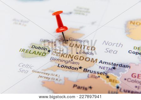 Map Of United Kingdom With A Red Pushpin.