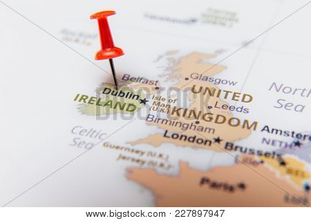 Map Of Ireland With A Red Pushpin.