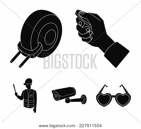 Car Alarm, Wheel Rim, Security Camera, Parking Assistant. Parking Zone Set Collection Icons In Black