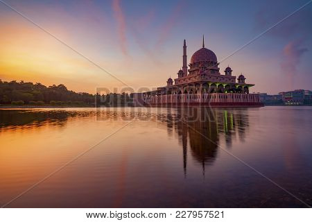 Glorious Sunrise At Putra Mosque In Putrajaya, Malaysia. It Is One Of The Most Beautiful Mosque In M