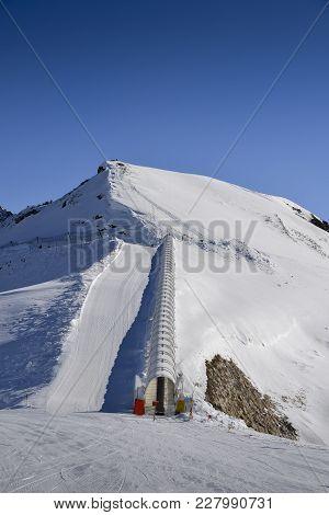 Ski Conveyor Belt Up To Expert Ski Runs In Pila, Valle D'aosta, Italy Resort In Italian Alps
