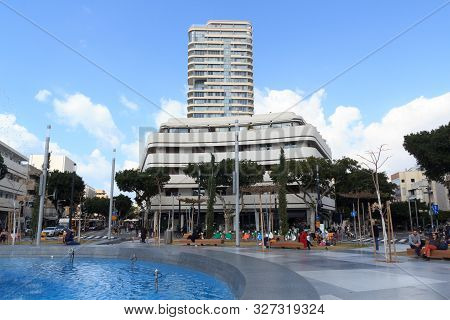 Tel Aviv, Israel - March 17, 2019: Dizengoff Square With Bauhaus Architecture Buildings. Dizengoff S