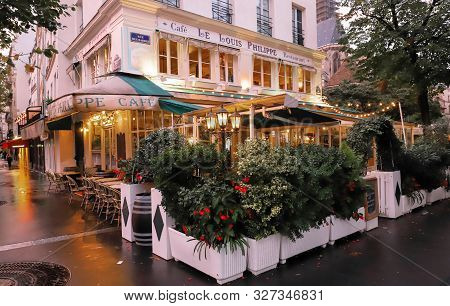 Paris, France-october 08 ,2019 : The Cafe Louis Philippe Situated In A Busy Corner Of The Marais, Ju