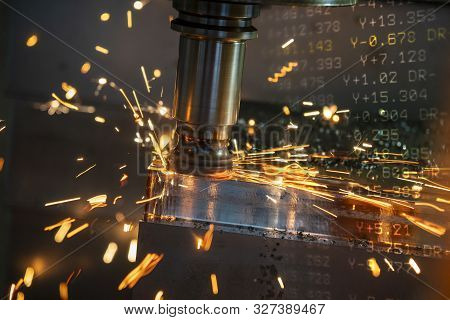 Thecnc Milling Machine Rough Cutting The Forging Mould Parts By Indexable Radius Endmill Tools With