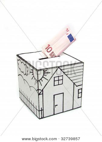Safe house with drawn and ten euro deposit