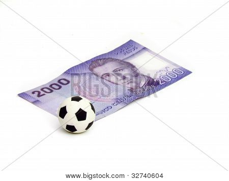 Soccer ball in a footnote in 2000 Chilean pesos