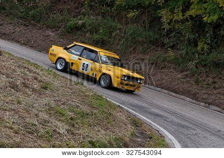 Pesaro Colle San Bartolo , Italy - Ott 12 - 2019 : Fiat 131 Abarth On An Old Racing Car In Rally