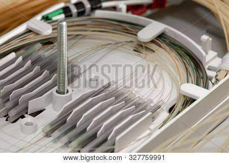 Splicing Fibers On Spice Tray In Gigabit Passive Optical Networks