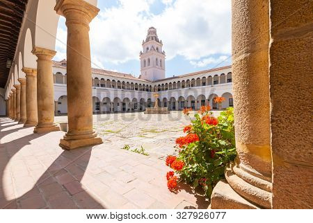 Sucre Bolivia September 26 Arcades And Flowers In The Patio Of San Francisco Library Located In The