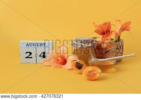 Calendar For August 24 : The Name Of The Month Of August In English, Cubes With The Number 24, Honey