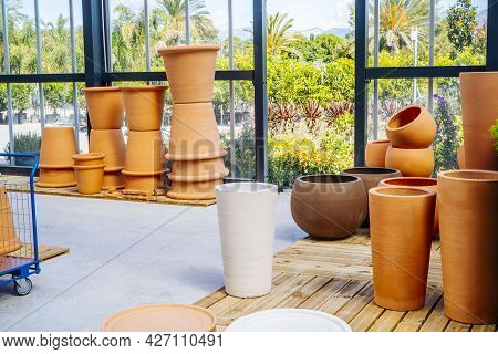 Ceramic Pots For Plants In A Gardening Shop. Outdoor Plants And Pots. Plant Shop. Planting In Cerami