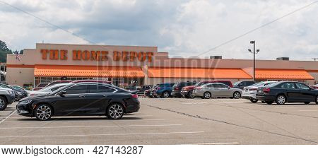 Wilkins Township, Pennsylvania, Usa July 18, 2021 The Home Depot Store And Parking Lot On William Pe