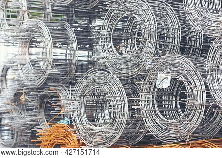 Mesh Wire Rolls Of Iron Stainless Steel, Galvanized Metal Sheets Construction Material. Chicken Wire